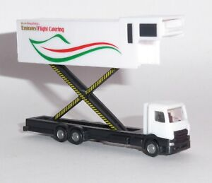 Emirates-Flight-Catering-Airbus-A380-Catering-Truck-Model-Scale-1-200-559607-G