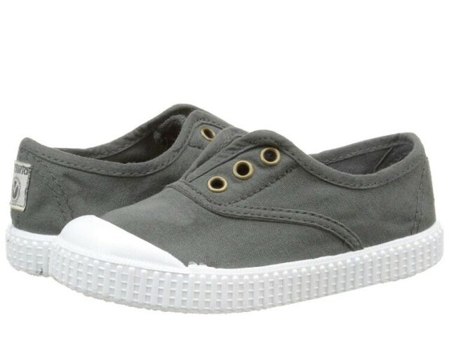 Victoria Girls Canvas Trainers Shoes