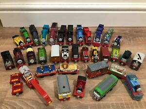 Thomas-The-Tank-Engine-Take-N-Play-Over-100-Different-TRAIN-choice-Christmas-1