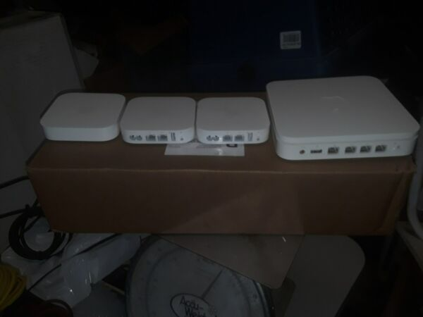 2-apple Airport Extream Bases And 1 Remote Extender Box-great Condition