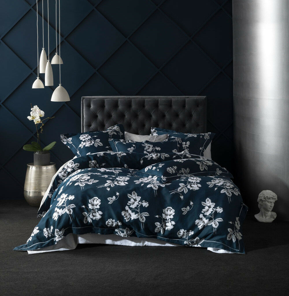Grace by Linen House Garland Navy Quilt Cover Set   Queen King Super King