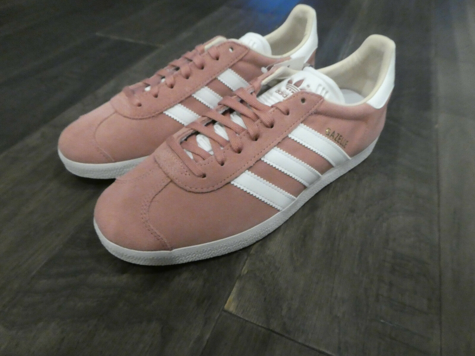 Adidas Women's Gazelle shoes sneakers new CQ2186 suede Ash Pink
