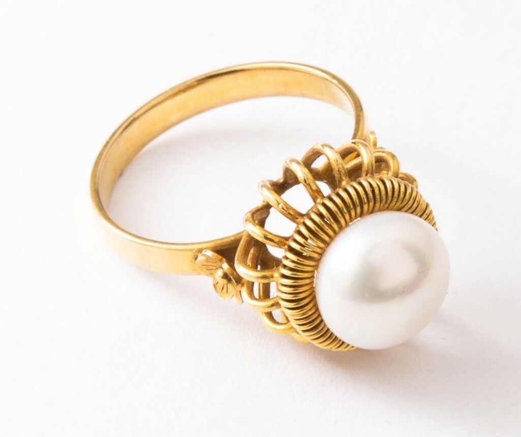 Estate Peal Ring - 18k Yellow gold