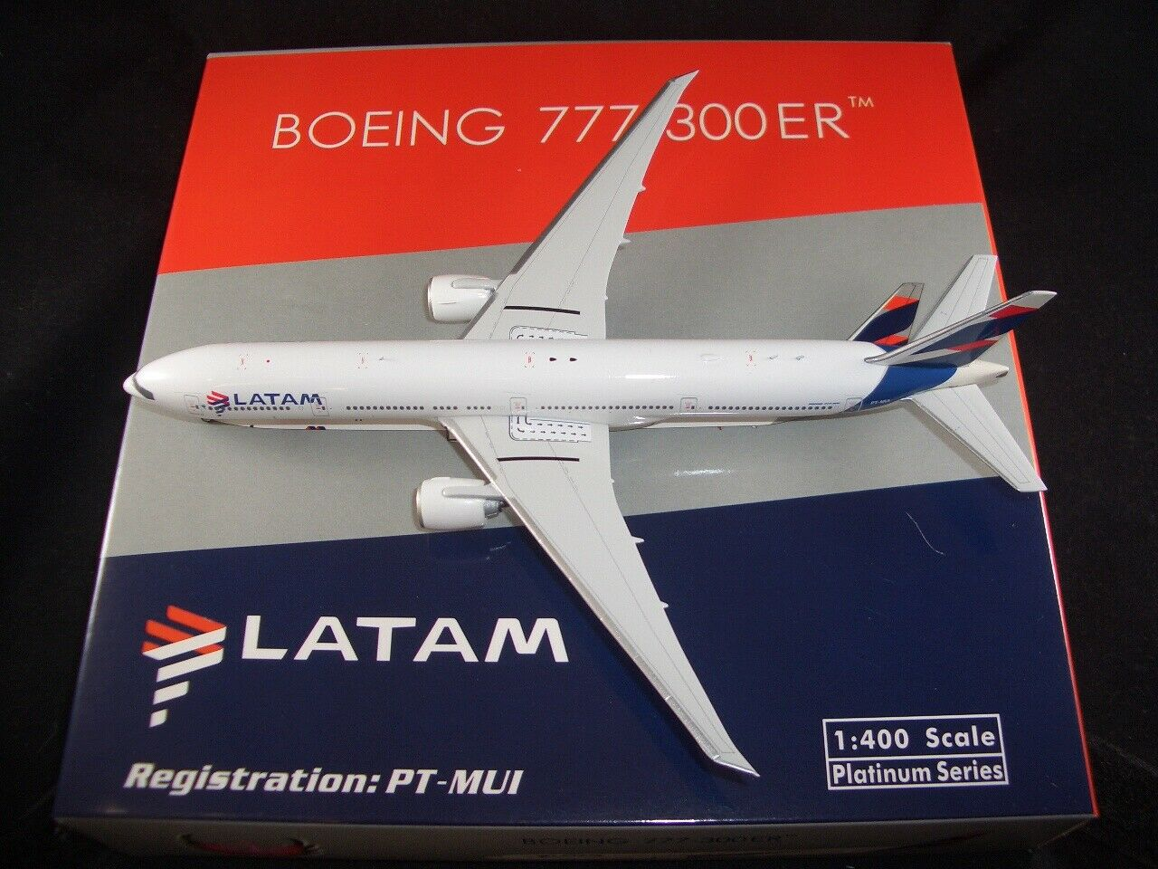 AIRSTORE Phoenix 1 400 Diecast LATAM Airlines Airlines Airlines Brasil B777-300ER  PT-MUI  RARE b08e45