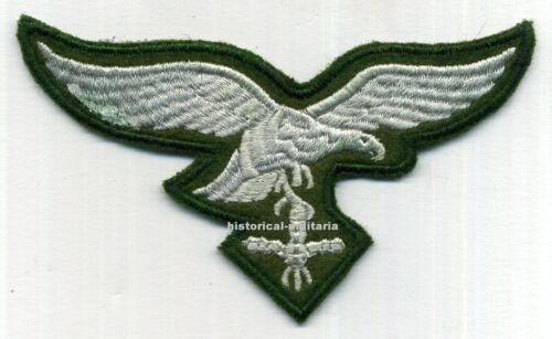 Reenactment Águila bordada a máquina sobre camoulflage verde