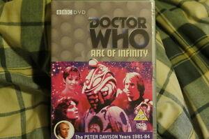 Doctor-Who-Arc-de-Infinity-Dr-Who-Peter-Davison-sin-Sello-Nuevo