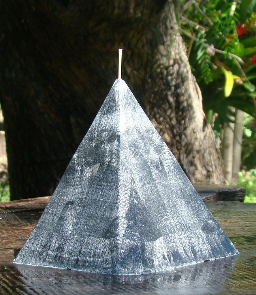 1KG 150hr VANILLA CAMPFIRE SMOKE Triple Scented 4 SIDED PYRAMID CANDLE Mens Gift