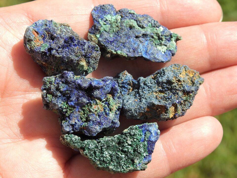 Smykker og sten, 5 stk. rå kraftfulde Azurit / Malakit