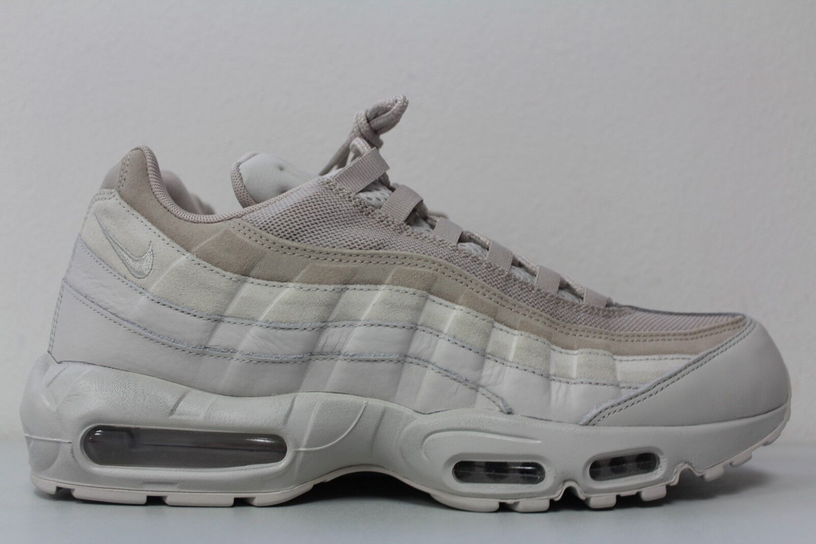 Nike Mens Air 95 PRM Size 13 Light Premium Bone String Khaki Tonal Premium Light 538416 011 458415