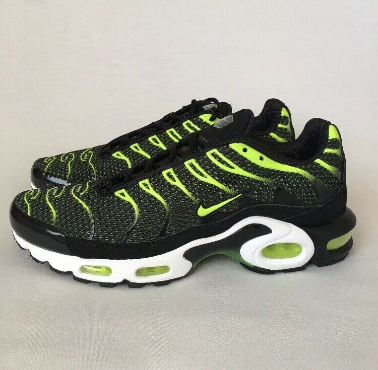 Nike Air Max Plus TN Volt Black Green
