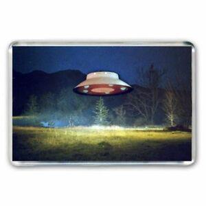 RETRO-CULT-60-039-s-TV-THE-INVADERS-FLYING-SAUCER-SPACESHIP-JUMBO-FRIDGE-MAGNET