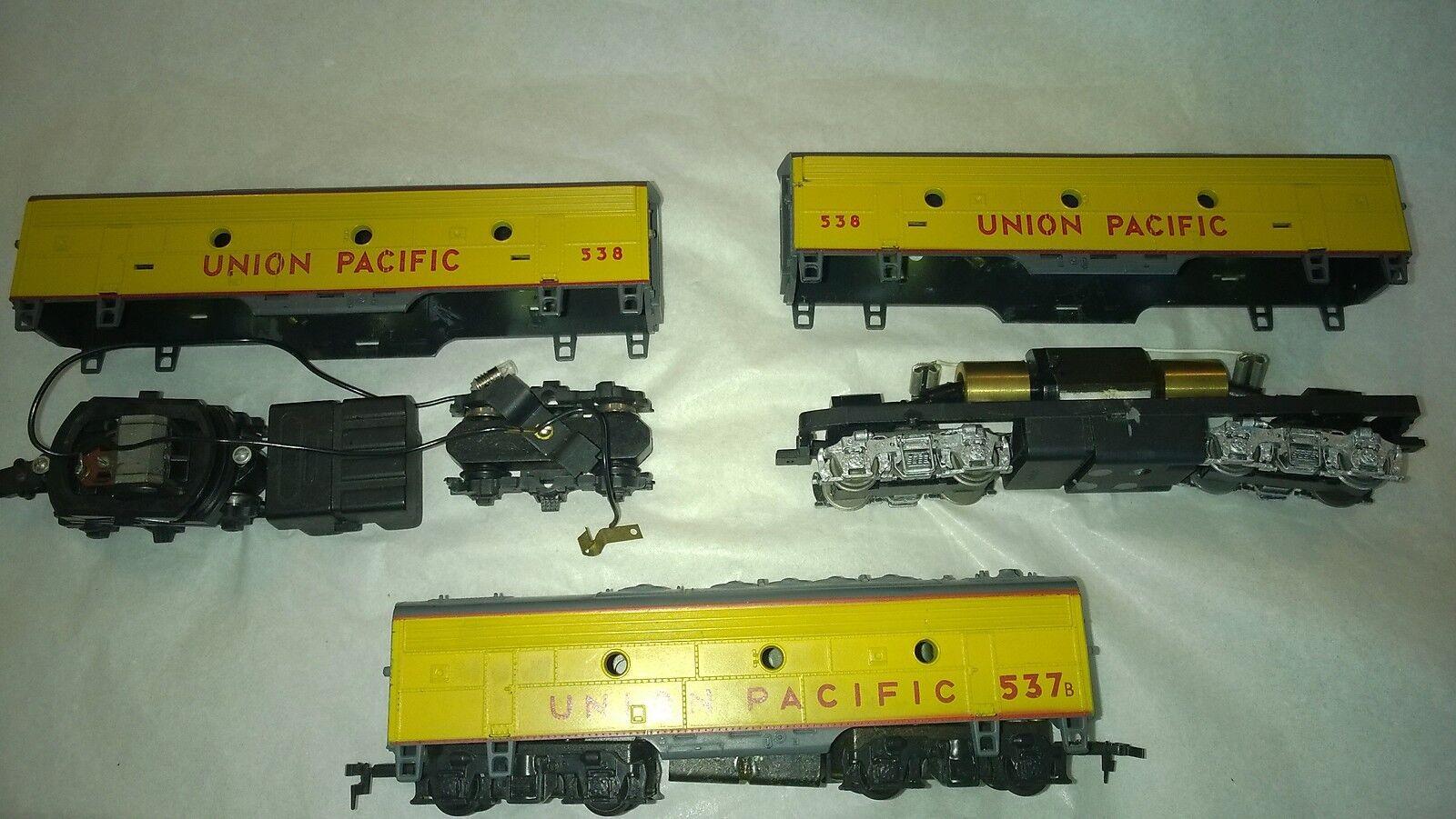 3 x UP  B Units -   2 motorized -  EA0-9084