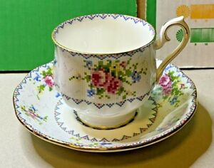 English-Bone-China-Royal-Albert-Petit-Point-Cup-And-Saucer-1930s-Vintage