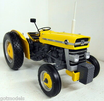 UH 1/16 Scale 2822 Massey Ferguson 135 Industrial yellow Diecast model Tractor