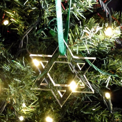 Silver Mirror Star of David Christmas Tree Decorations /& Green Ribbon Pack 10