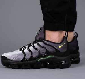 Nike-Air-Vapormax-plus-Baskets-924453-009-UK12-EU47-5-US13-Noir-Volt-Blanc