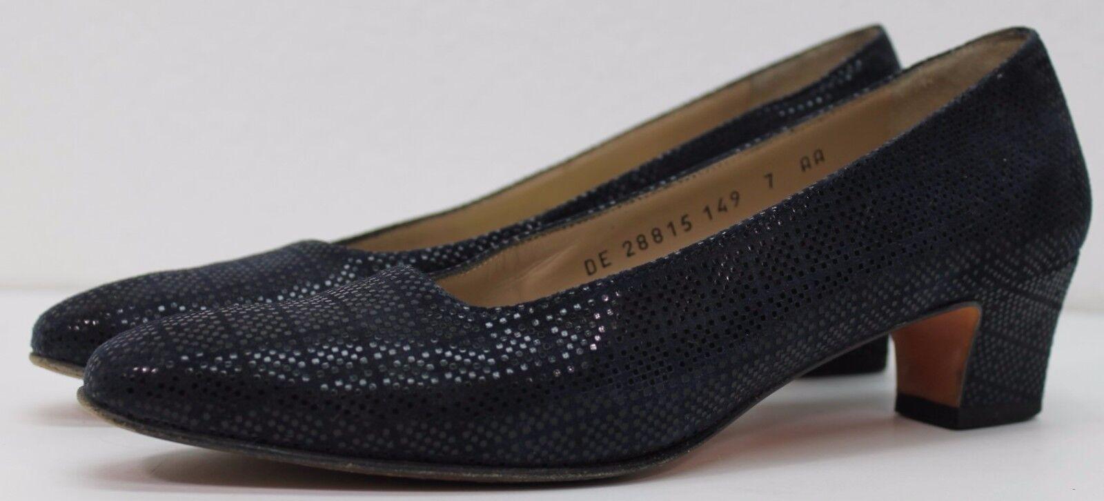 Salvatore Ferragamo Navy bluee Suede Pumps 1.5  high heels Size 7 AA Narrow US