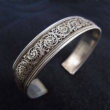 """Bracelet ethnique """"jonc"""" en argent massif à motif de filigranes Himalaya Népal"""