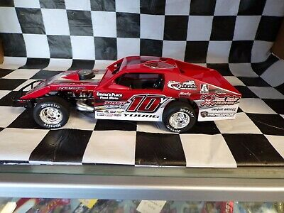 Trent Young  # 10Y  Modified Late Model Dirt 1:24 scale  MR218X108