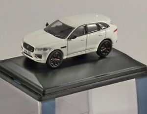 Jaguar-F-ritmo-en-Blanco-Polaris-1-76-Escala-Modelo-Oxford-Diecast