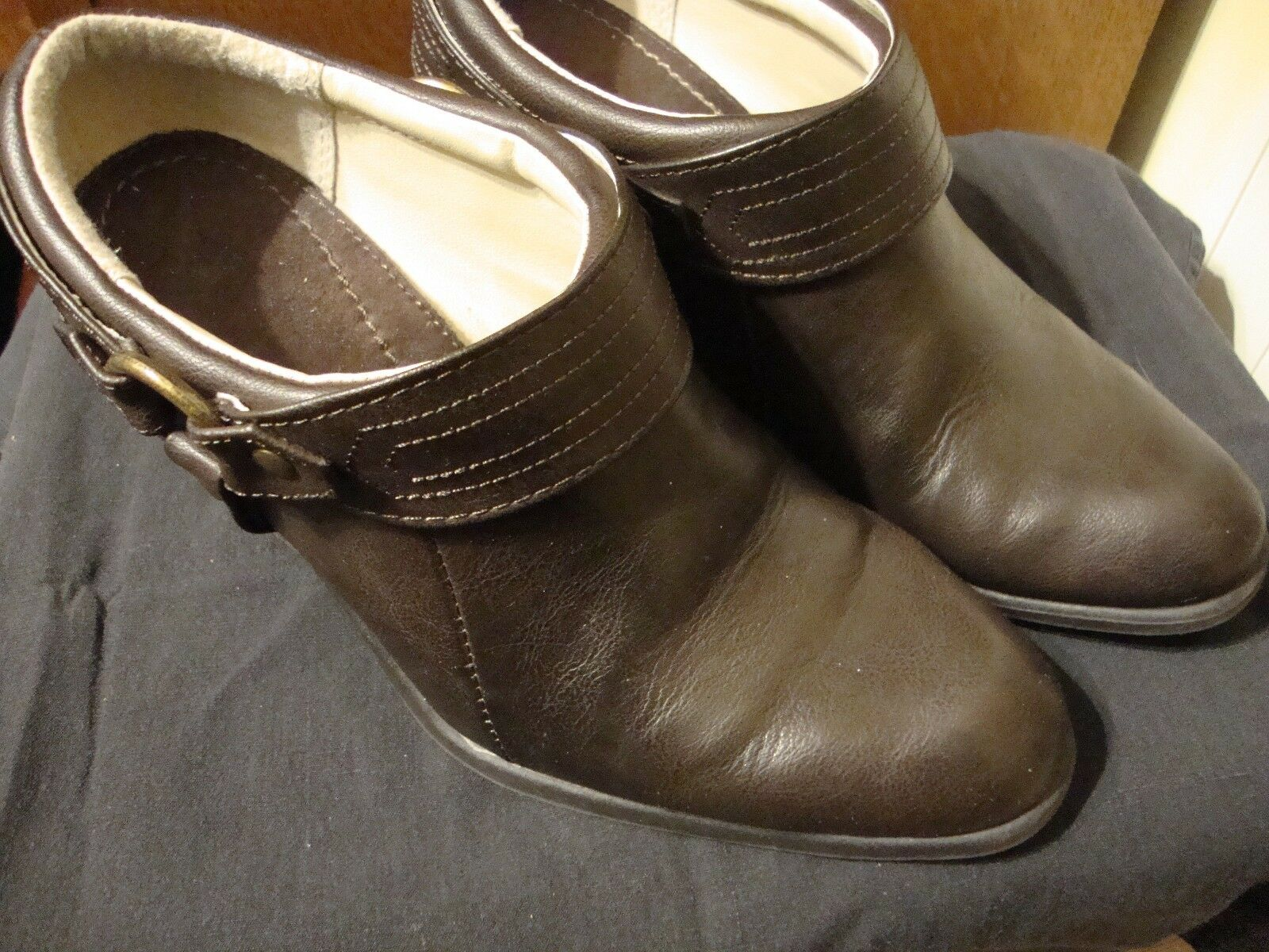Faded Glory Women's Size 7.5 Brown Faux Leather Boot Shoes Heel Western      126