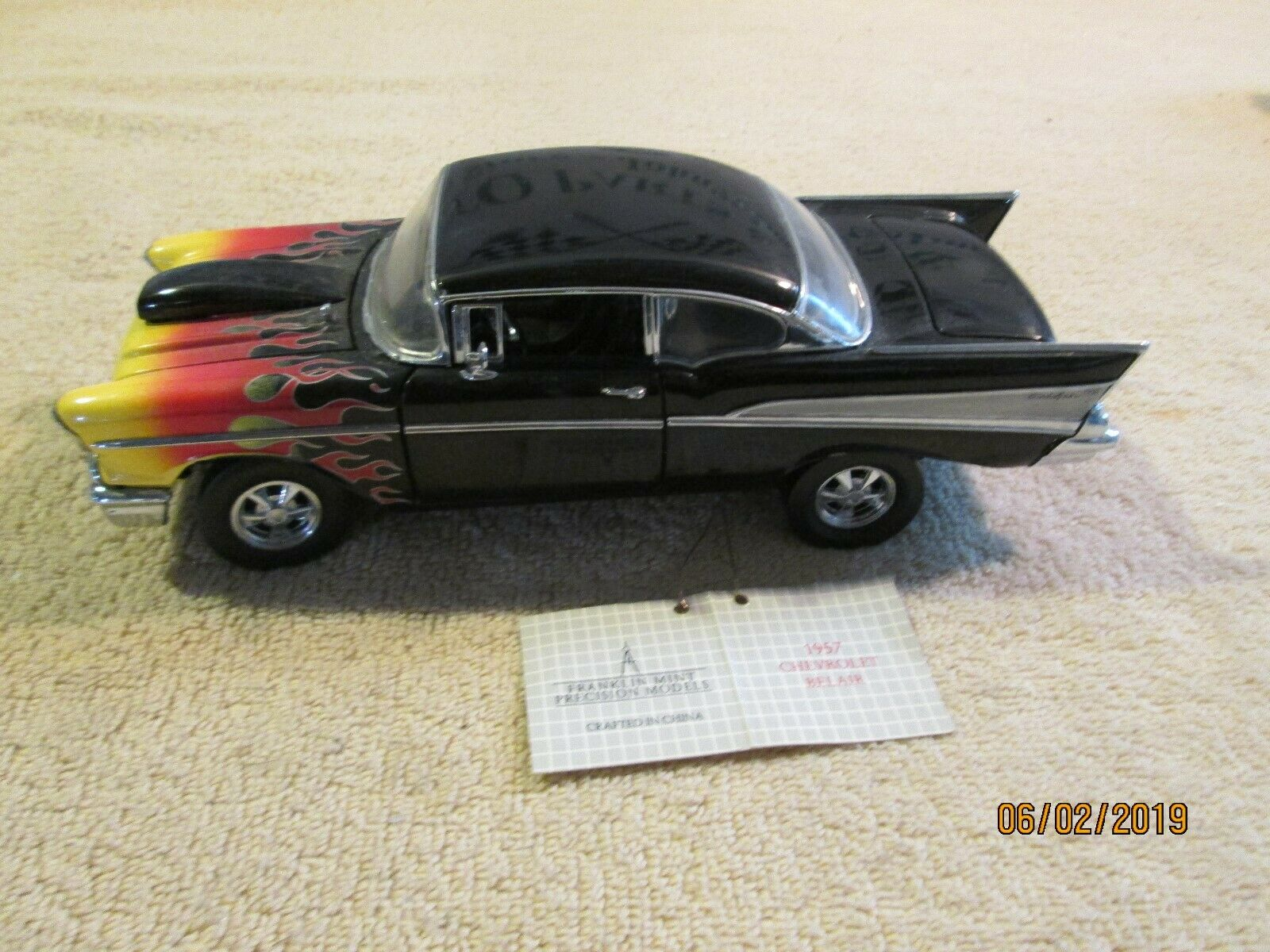 Franklin Mint 1957 chevy 57 belair w  flames 1 24 Scale loose  paint flaws