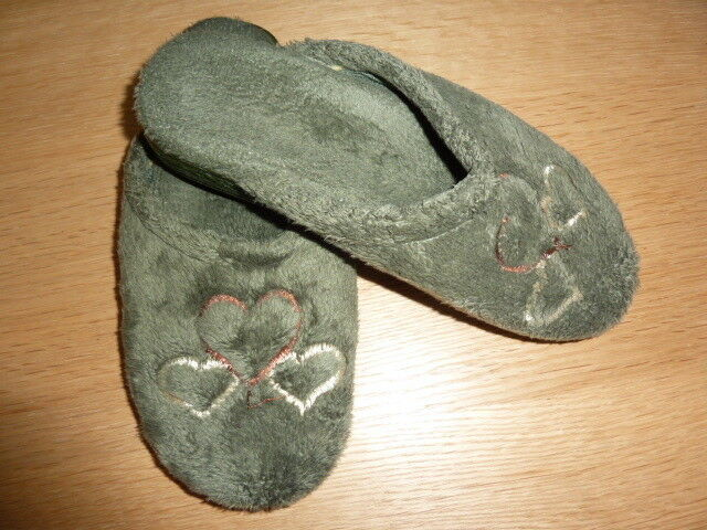 Hausschuhe Schlappen - Gr. 36 - GrÜn Mit Herzchen Bestickt - Weiches PlÜsch