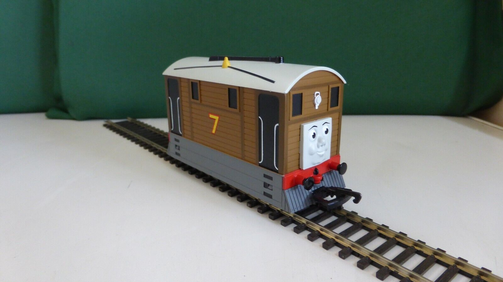 Hornby R9046 DCC Fitted Toby the Tram Loco in super condition.laufens on DC too.