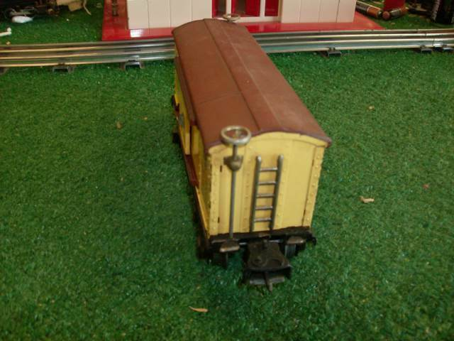 LIONEL TRAINS PREWAR 2655 LIONEL LINES TINPLATE BOX CAR  ORIG 38-42 GOOD COND