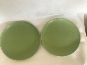2-HOGANAS-KERAMIC-NILSSON-APPLE-GREEN-DINNER-PLATES-MODERN-POTTERY-PRE-OWNED