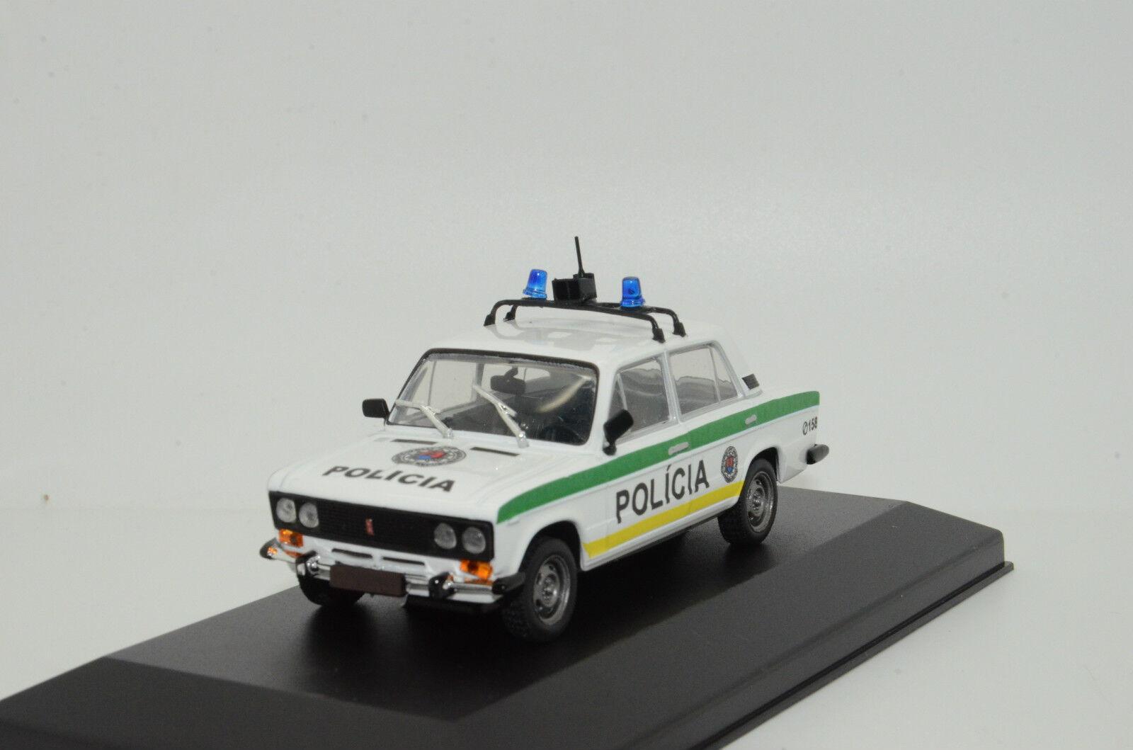 RARE     Lada Vaz 2106 Slovakia Police Policia Custom Made 1 43