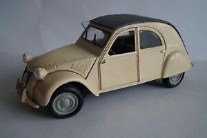 MAISTO-voiture-miniature-1-18-CITROEN-2-CV-1952