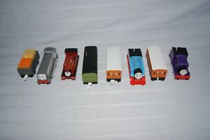 Tomy-Trackmaster-Thomas-Trains-Bundle-x-4-incl-Dennis-and-Harvey-and-carriages