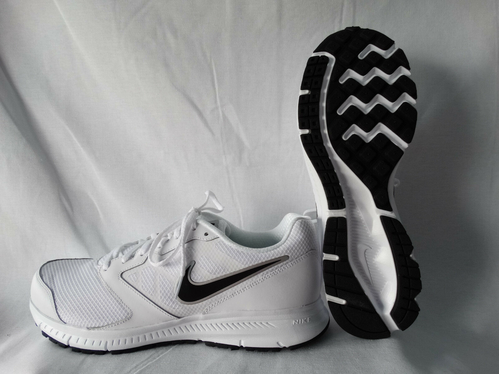Nike Downshifter 6 Runner Sneaker weiß-schwarz EU 44,5 US 10,5
