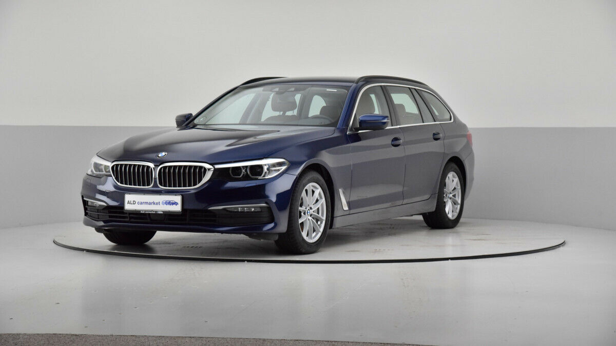 BMW 530d 3,0 Touring Connected aut. 5d - 527.900 kr.