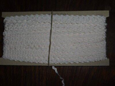 Hart Arbeitend (0,40€/m) Weiße Zackenlitze/litze, Höhe Ca. 0,4/0,7cm 50m Auf Der Pappe Ddr Opew