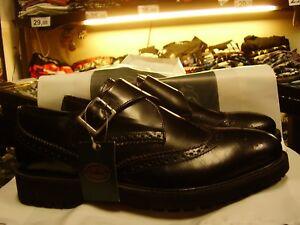 Scarpe-uomo-con-fibbia-disegno-corazza-e-punta-tonda-vera-pelle-spazzolata-nero