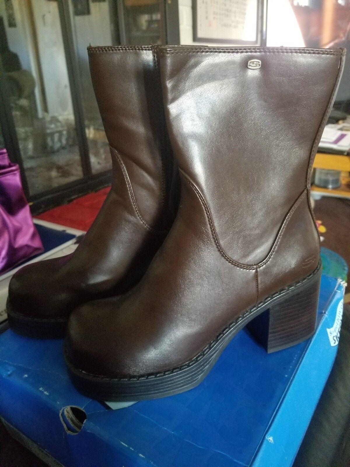 Skechers Boots Dark Brown size 6