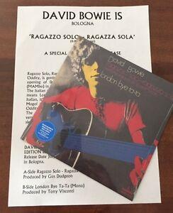 DAVID BOWIE- RAGAZZO SOLO RAGAZZA SOLA foglio promozionale ''DAVID BOWIE IS'' - Italia - DAVID BOWIE- RAGAZZO SOLO RAGAZZA SOLA foglio promozionale ''DAVID BOWIE IS'' - Italia