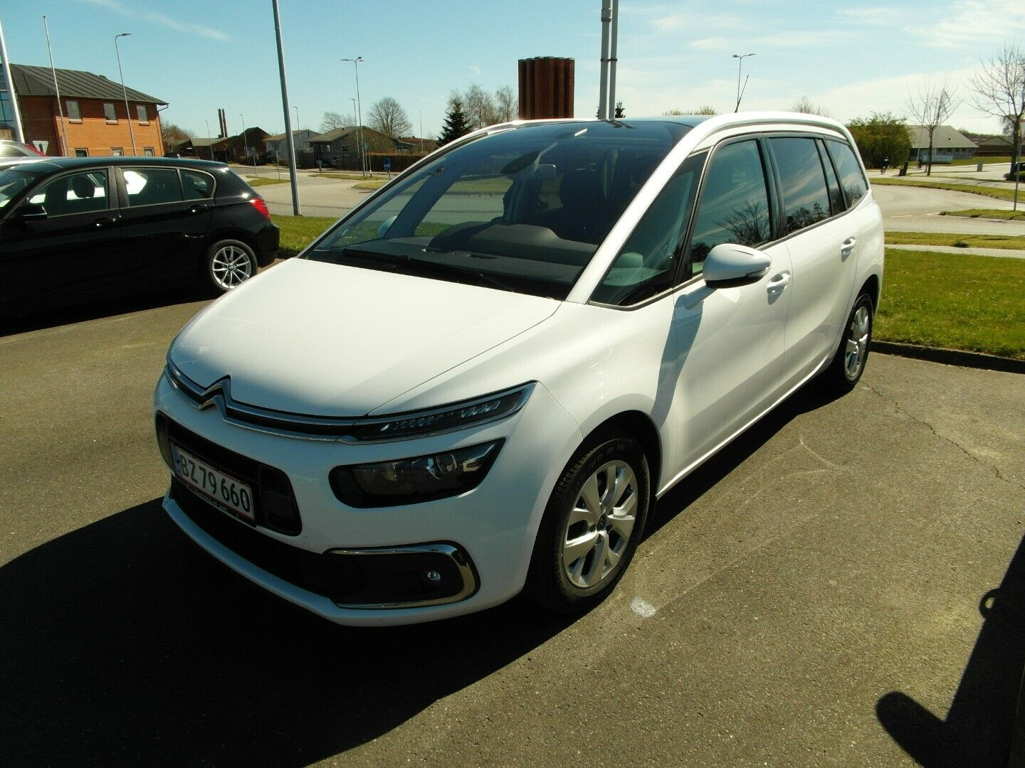 Citroën Grand C4 SpaceTourer 1,6 BlueHDi 120 Iconic EAT6 5d - 259.000 kr.
