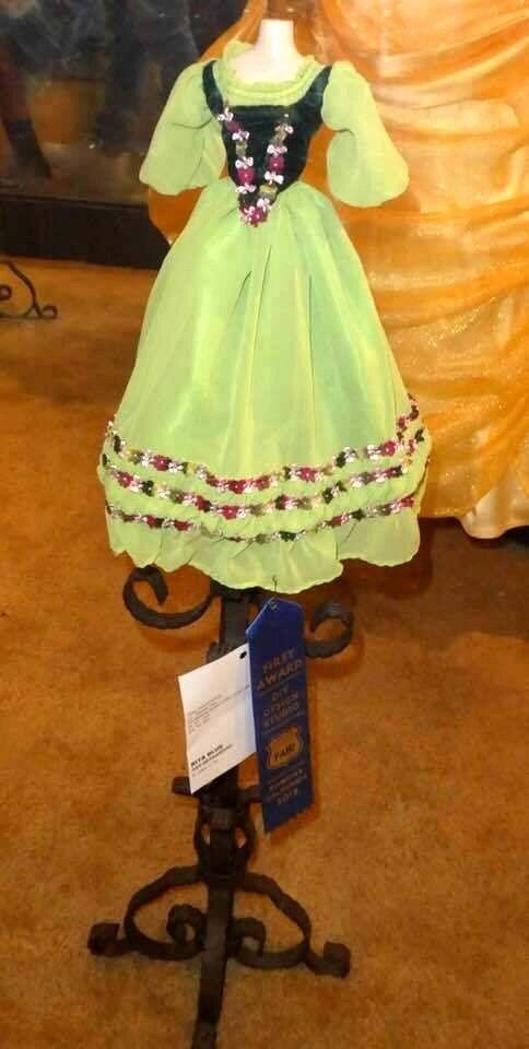 Ruth Ann    1st place winner  16  Tonner Deja Vu outfit   By Tiny Tailor