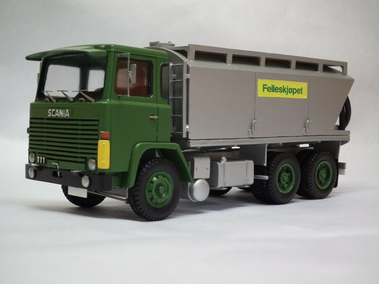 Resina  Scania 111 kraftfor-ready made by Fankit Models