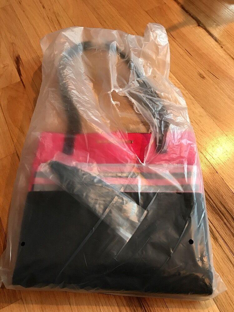 NWT Victoria's Secret Bag black/pink