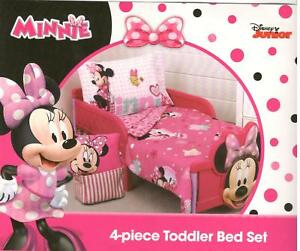 Disney Minnie Mouse Smart Sweet 4 Piece Toddler Bedding Set New