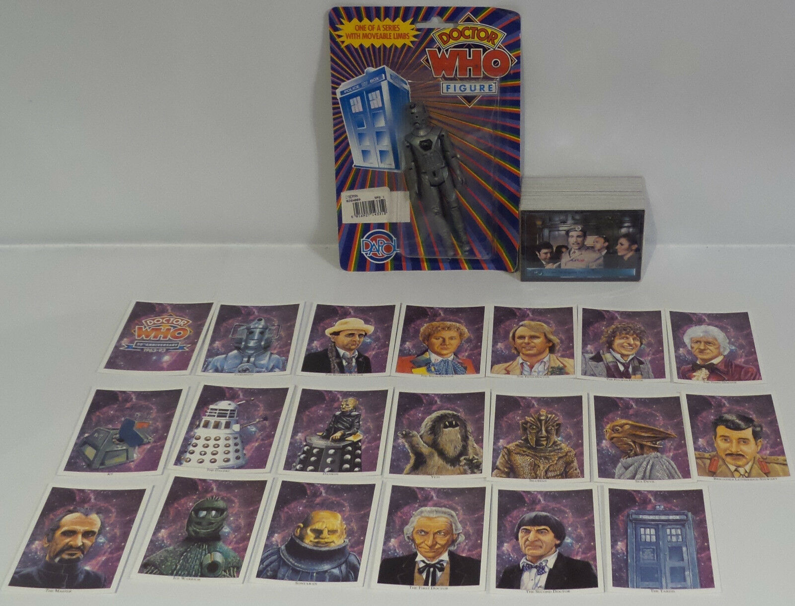 DOCTOR WHO : DAPOL CYBERMAN ACTION FIGURE MADE IN 1987 & TRADING CARDS (SCTK)