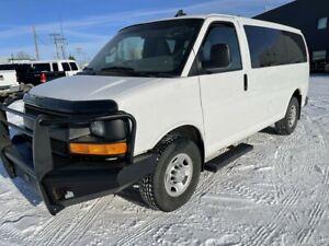 2016 Chevrolet Express RWD 3500 12 Passenger Van 4.8 L Gas