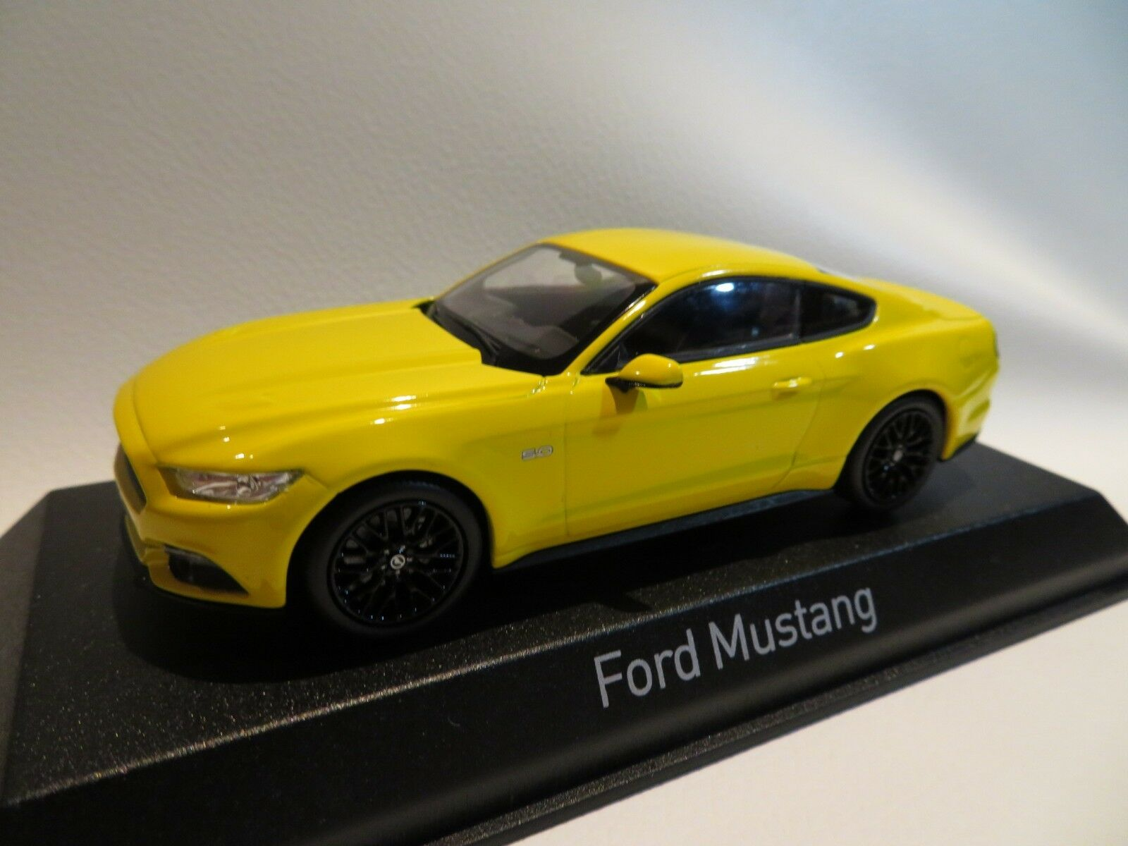 1/43 Norev Ford Mustang Diecast