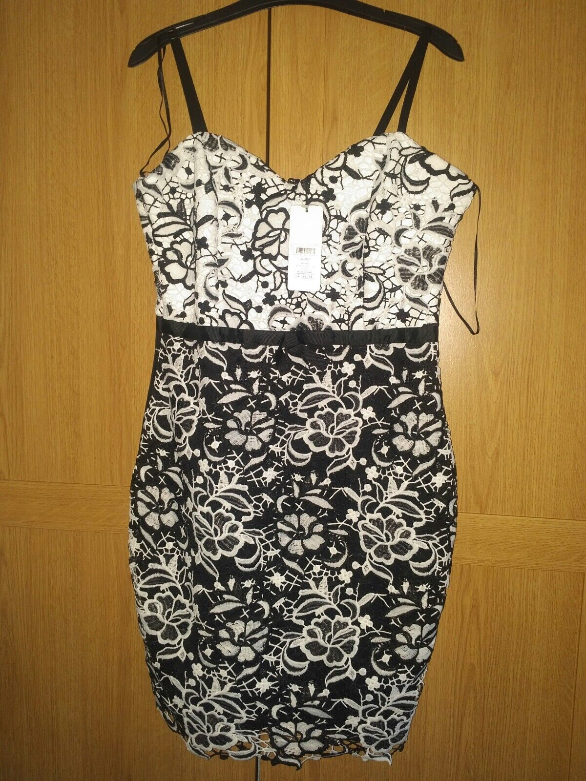 BNWT Lipsy All Over Lace Contrast Bodycon Dress - size 16 14