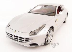 Hot-Wheels-Ferrari-FF-V12-4-Seater-1-18-Diecast-Silver-X5525