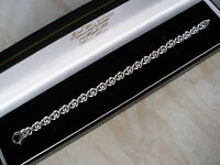 9ct White Gold Italian Made Bracelet Beautiful Design Brand In Box Quality